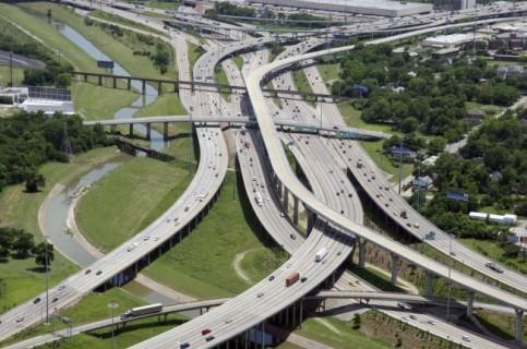 la plus grande autoroute du monde saturée